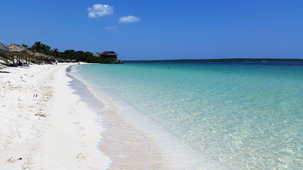 Cayo Las Brujas. Spiaggia tropicale
