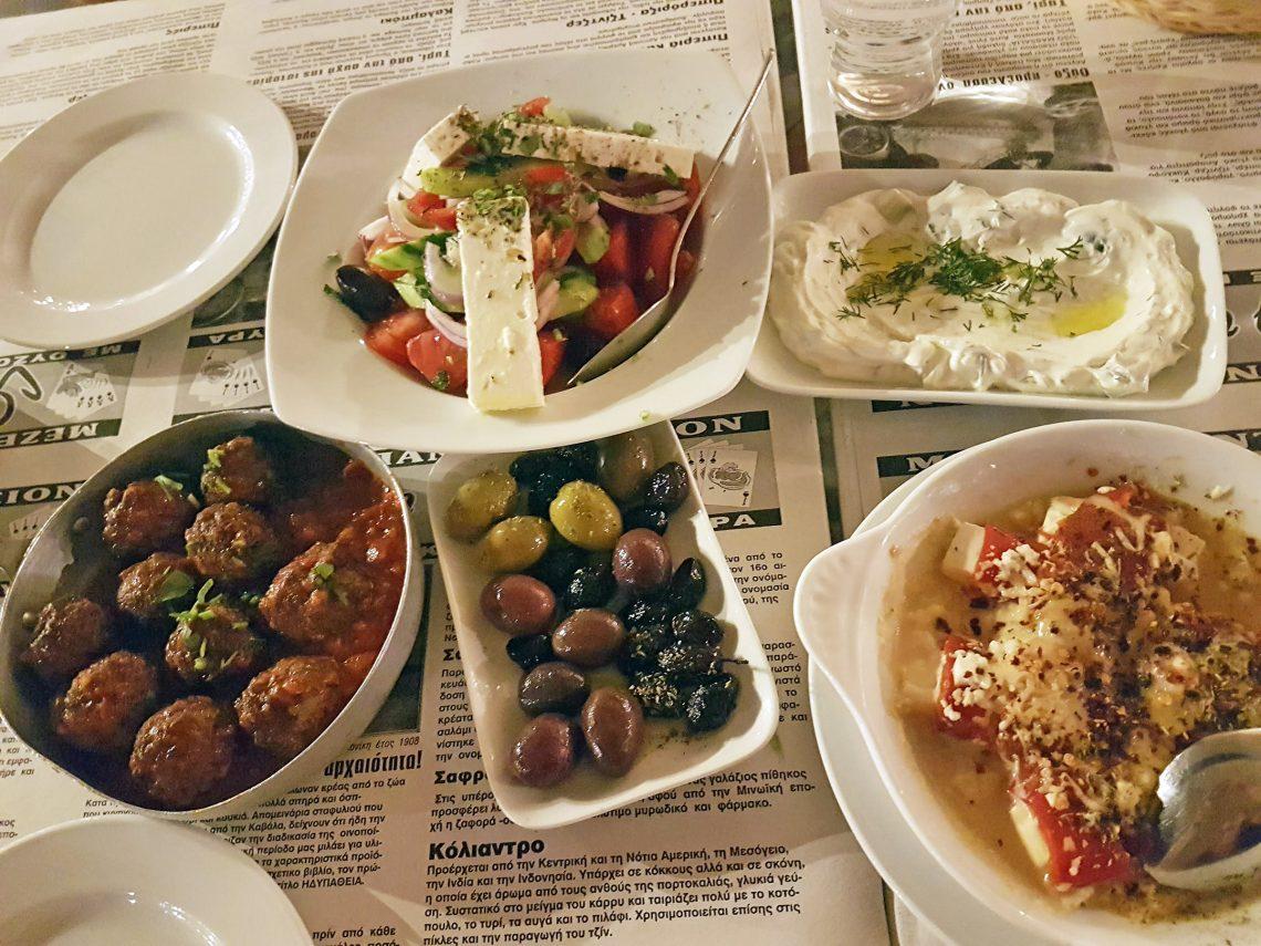 Cosa mangiare in Grecia: mezedes.