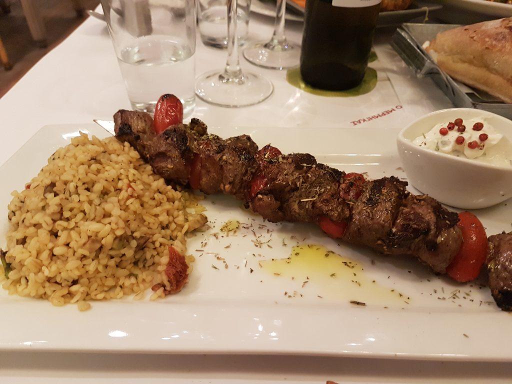 Cosa mangiare in Grecia: souvlaki, spiedino di carne