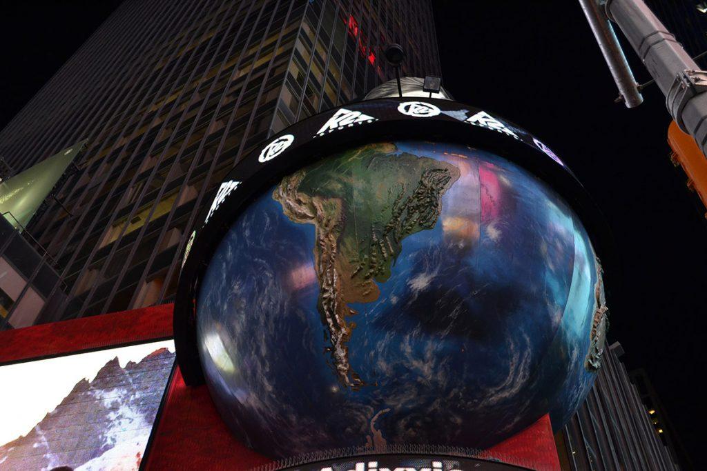 New York - Times Square - Mappamondo gigante