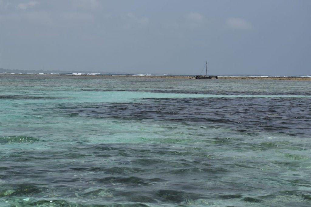 Zanzibar, mare e tipica imbarcazione