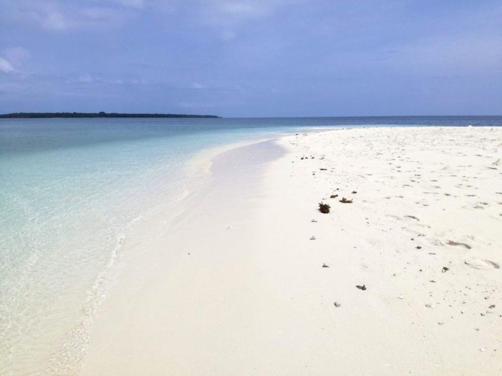 Zanzibar, spiaggia bianca e mare turchese