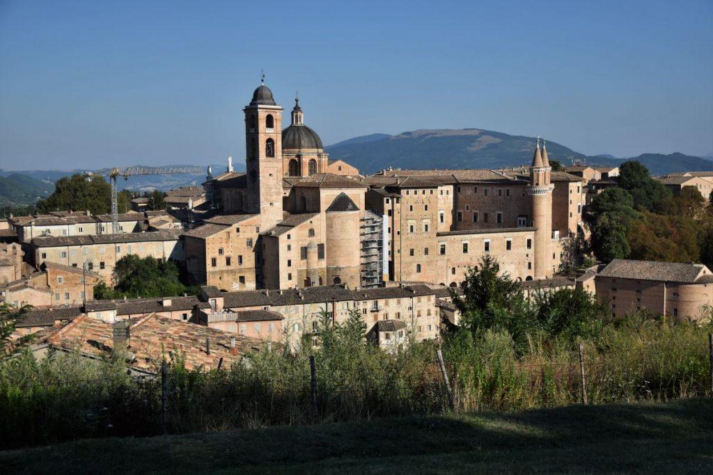 Marche on the road - veduta di Urbino